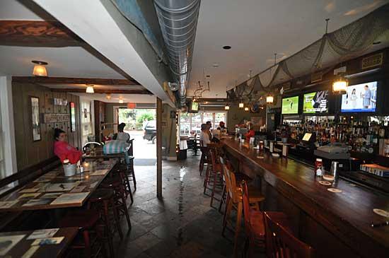 Nantucket Restaurant Reviews Captain Tobey S Chowder