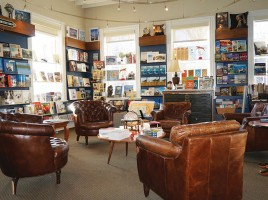 Mitchell's Book Corner | Nantucket | MA