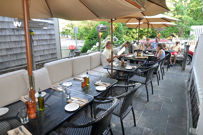 Queequeg's | Nantucket Restaurant