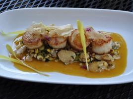 Queequeg's | Nantucket Restaurant