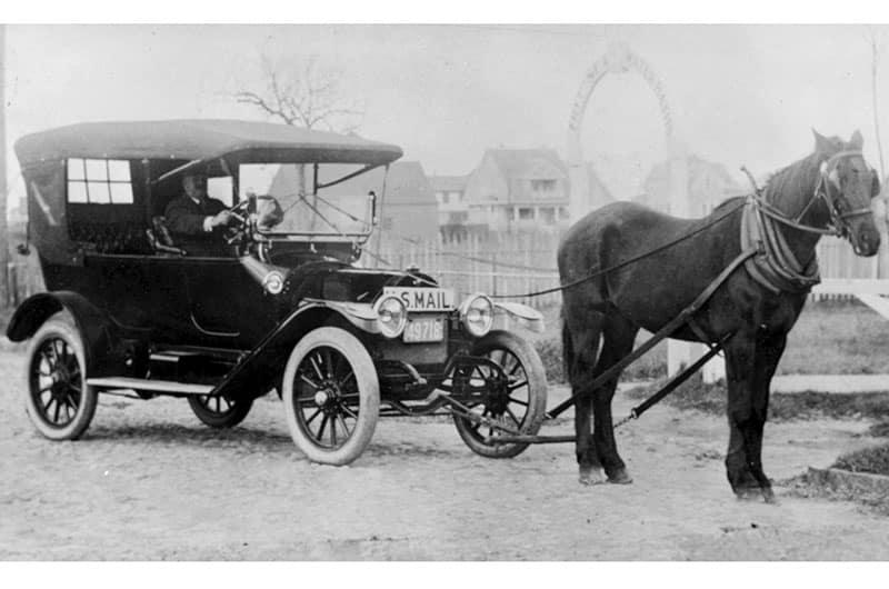 Folger's Horsemobile   Nantucket History